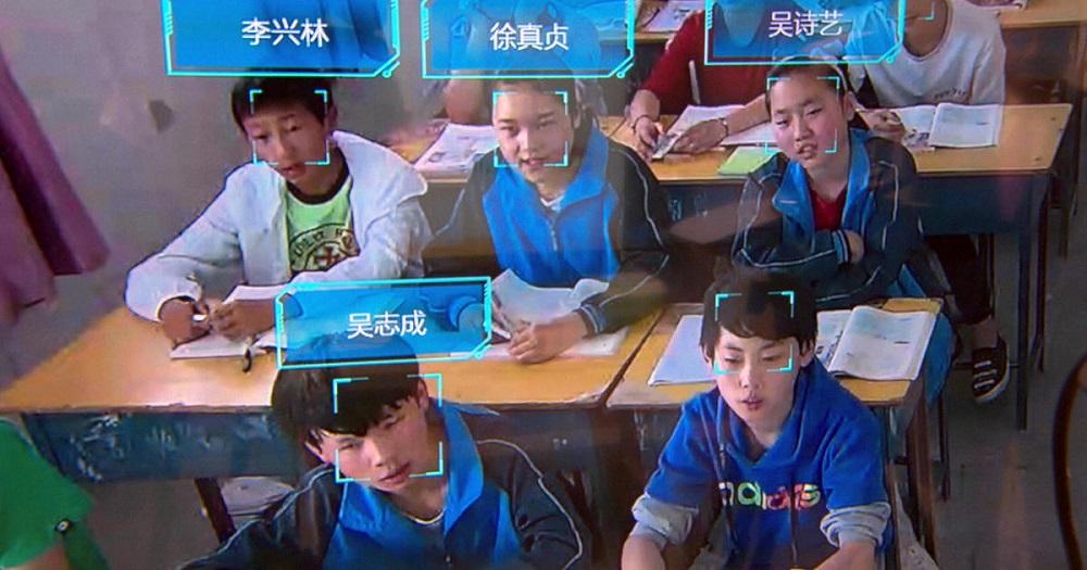 Niños de china en una sala de clases